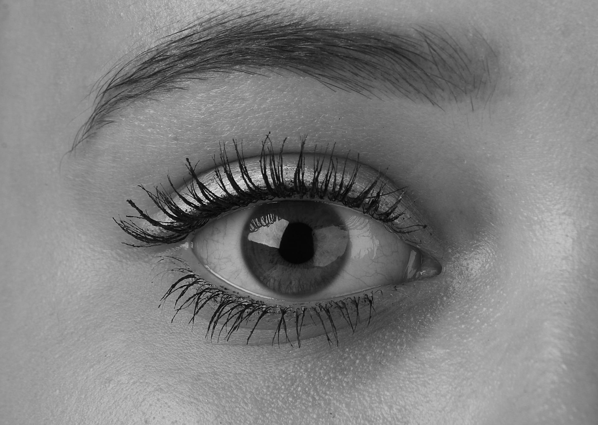 feny-arnyek-szem