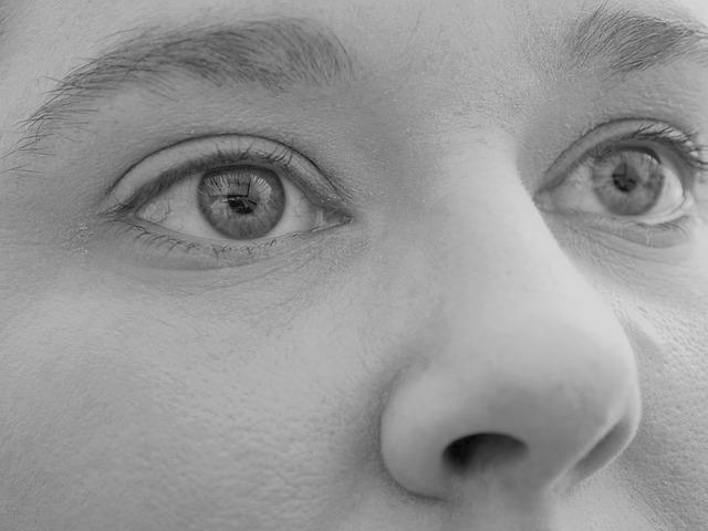 eyes-933492_640